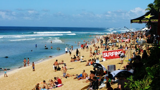 Each Winter The Surfing World Turns Its Attention To Birthplace Of Hawaii Hundreds Surfers Thousands Tourists And A Lot