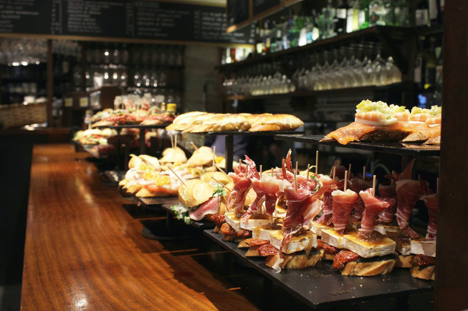 surf blog the 7 best pintxos restaurants in san sebastian spain. Black Bedroom Furniture Sets. Home Design Ideas