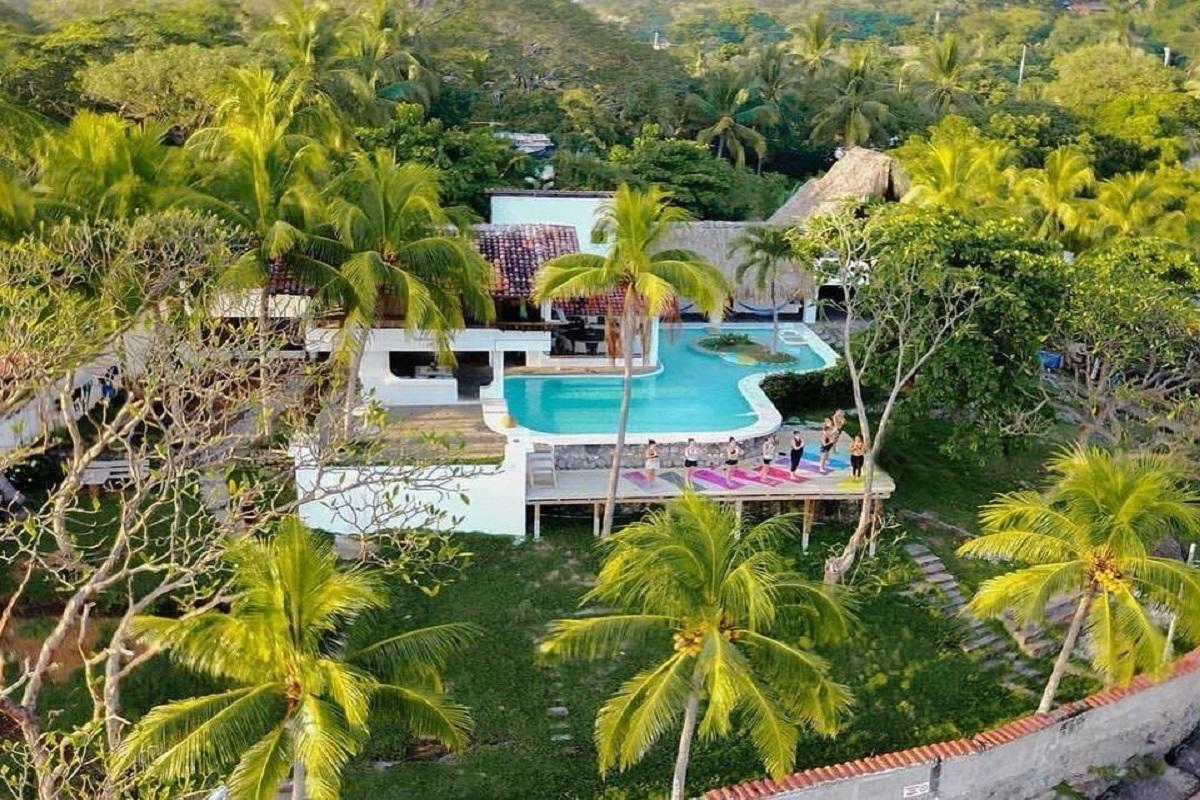 Surfholidays Esymar Beach House