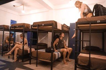 12 People AC Dorm & Ensuite Toilet