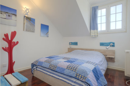 Tinny but stylish, the Blue Room is ideal for two!