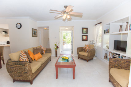 Seriento Spacious and comfortable lounge