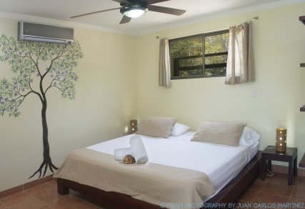MAVI Surf Hotel Dominical King Size Bed