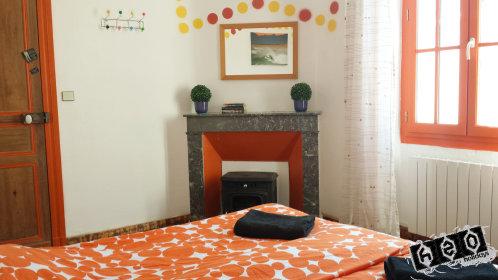 Orange room - twin or double