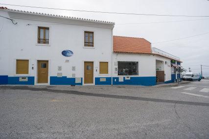 Red House - Vilas de Ribamar