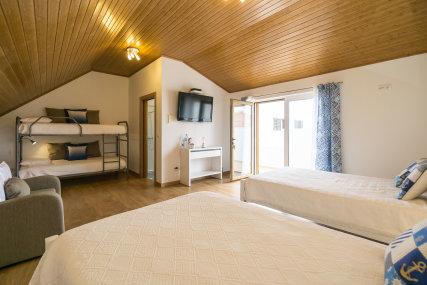 Blue House - Vilas de Ribamar Shared Room with wc