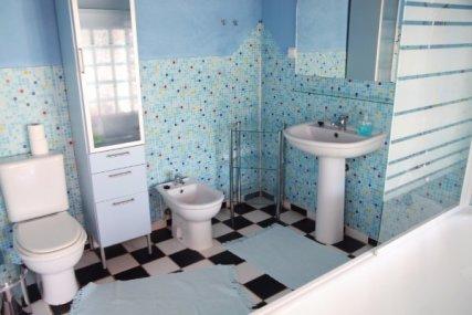 lovely sea themed bathroom for our Quadruple garden room.