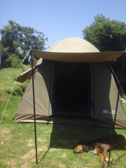 Sleep outdoors in the comfy safari tent with 2 singles.