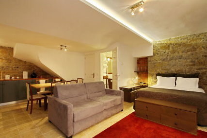Stone Suite