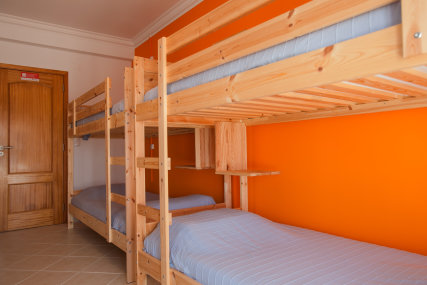 Mussel: bed shared dorm