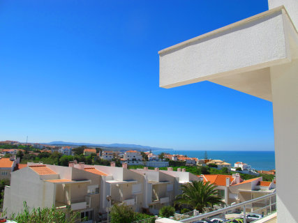 Ericeira Chill Hill Hostel & Private Rooms Violet Dreams: sea view