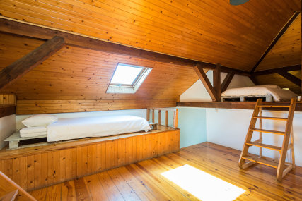 Attic Room - 5 Beds