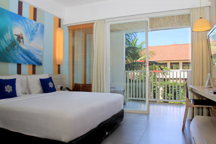 Queen bed or 2 single bed  27 sqm  Private Balcony