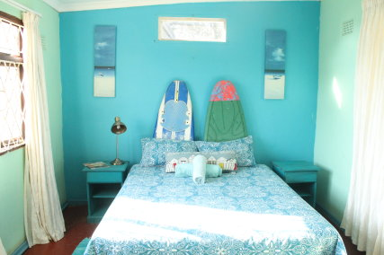Private double room, light and airy, with garden vie