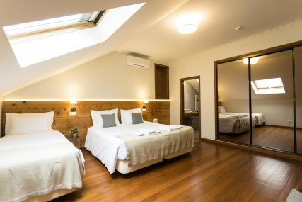 Room 1 - Queen Bed + Single Bed or 3 Single Beds