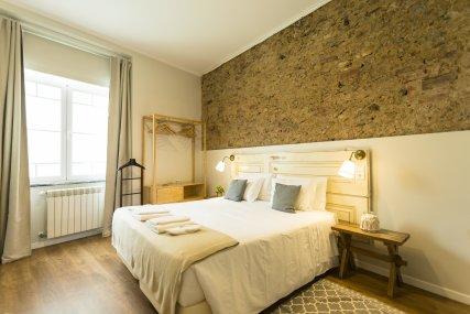 Room 9 - Queen Bed or Twin Beds